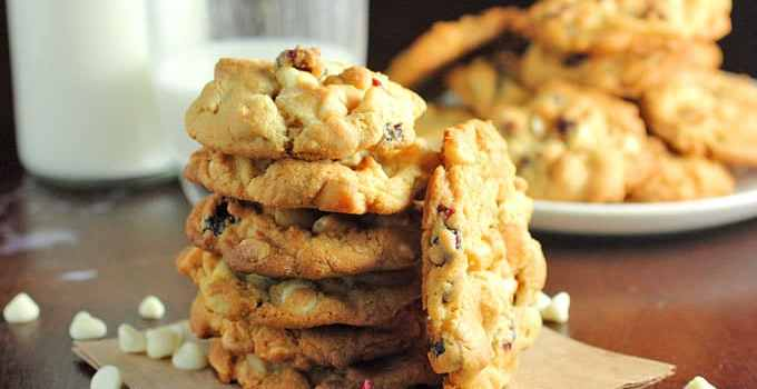 White Chocolate & Cranberry Macadamia Nut Cookies & GIVEAWAY