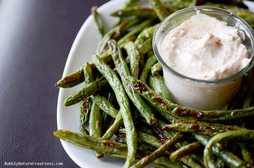 Roasted Green Bean Fries with Creamy Dipping Sauce! {THM S} - Sprinkle ...