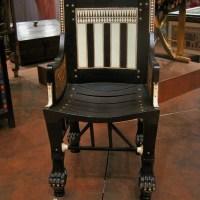 chair-of-tutankhaman