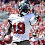 The New England Patriots continue looking at players from the Buccaneers past