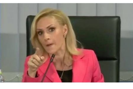 Primarul Gabriela Firea despre directorii demisi in ultima perioada: Sunt DEZECHILIBRATI PSIHIC, cazuri patologice!