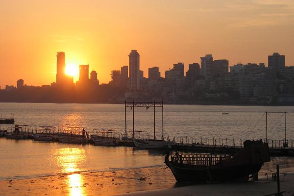 Chowpatty Beach - Top 10 Things to do in Mumbai