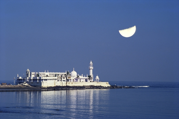 Haji Ali Dargah - Top 10 Things to do in Mumbai