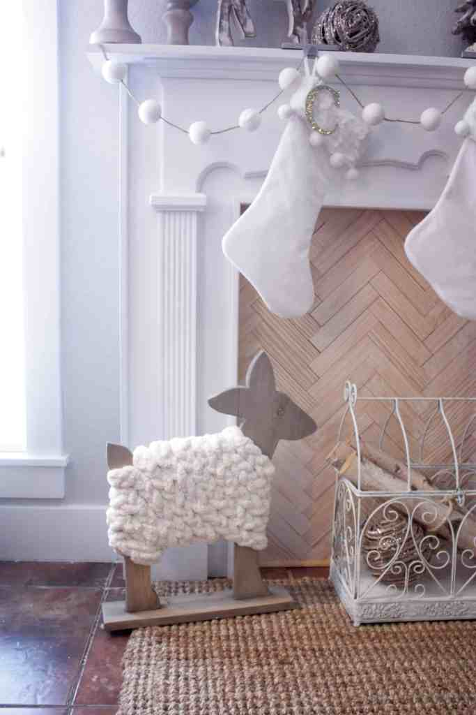 pottery-barn-kids-knockoff-wood-deer-decor2-1-of-1