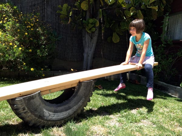 riding-tire-see-saw