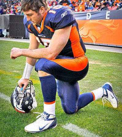 Tebow Tebowing | Photo courtesy of Clemed via Wiki Commons