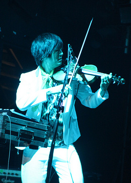 Kishi Bashi performing with of Montreal in 2011 | Photo courtesy of Rainbows  In The Dark via Wikimedia Commons