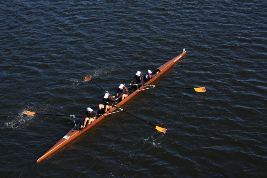 Bu rowers and spectators flock to the river for head