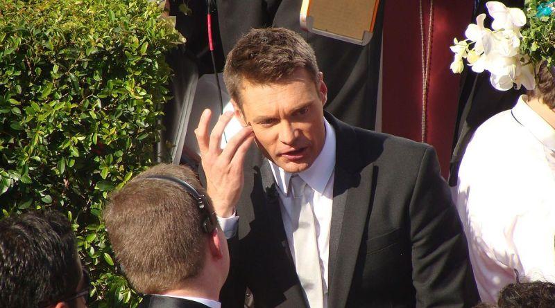 1200px-Ryan_Seacrest_at_2008_Primetime_Emmys
