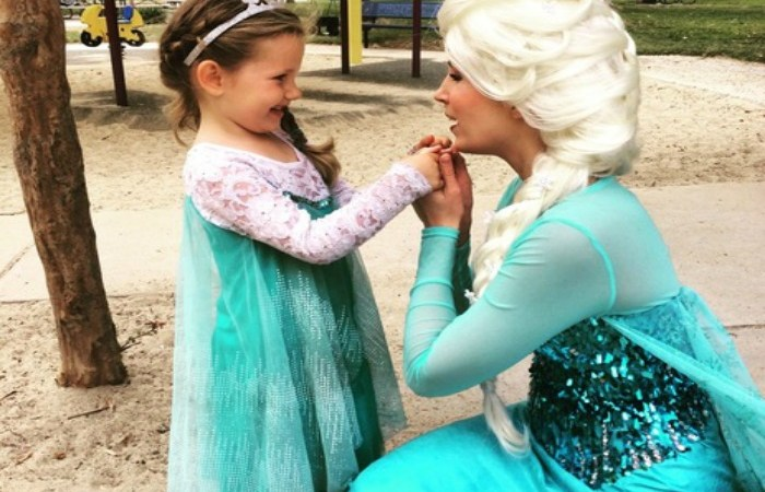 """Princess & Me Parties Made Me The """"Best Mom Ever."""" They Also Made My 5 Year Old The Happiest Kid In Town."""