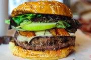 Apples & Burgers Don't Mix But BBQ, Bacon & Onions Sure Do [BOTM Review]