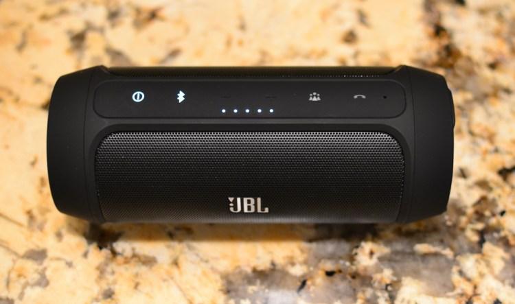 JBL-Charge-2-Controls