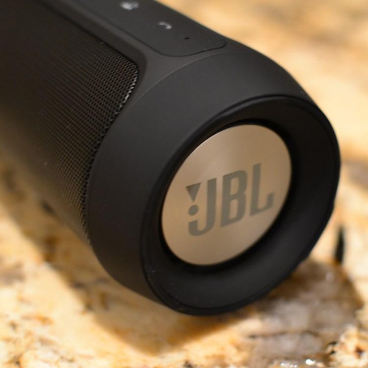 JBL-Charge-2-Side