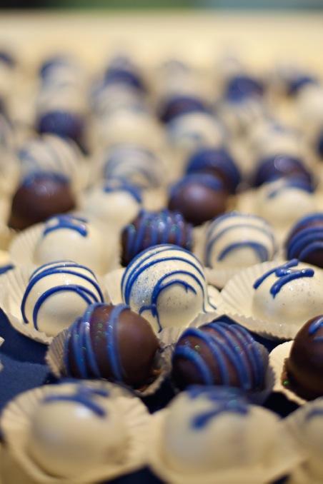 Mexican Vanilla Cake Balls | Butterlust Blog