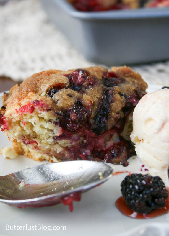 Berry Long Cake With Crumb Topping Butterlust