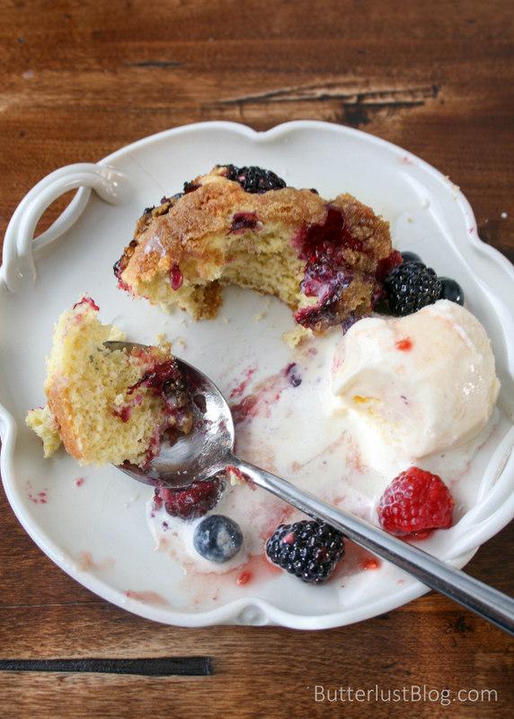 Berry Long Cake