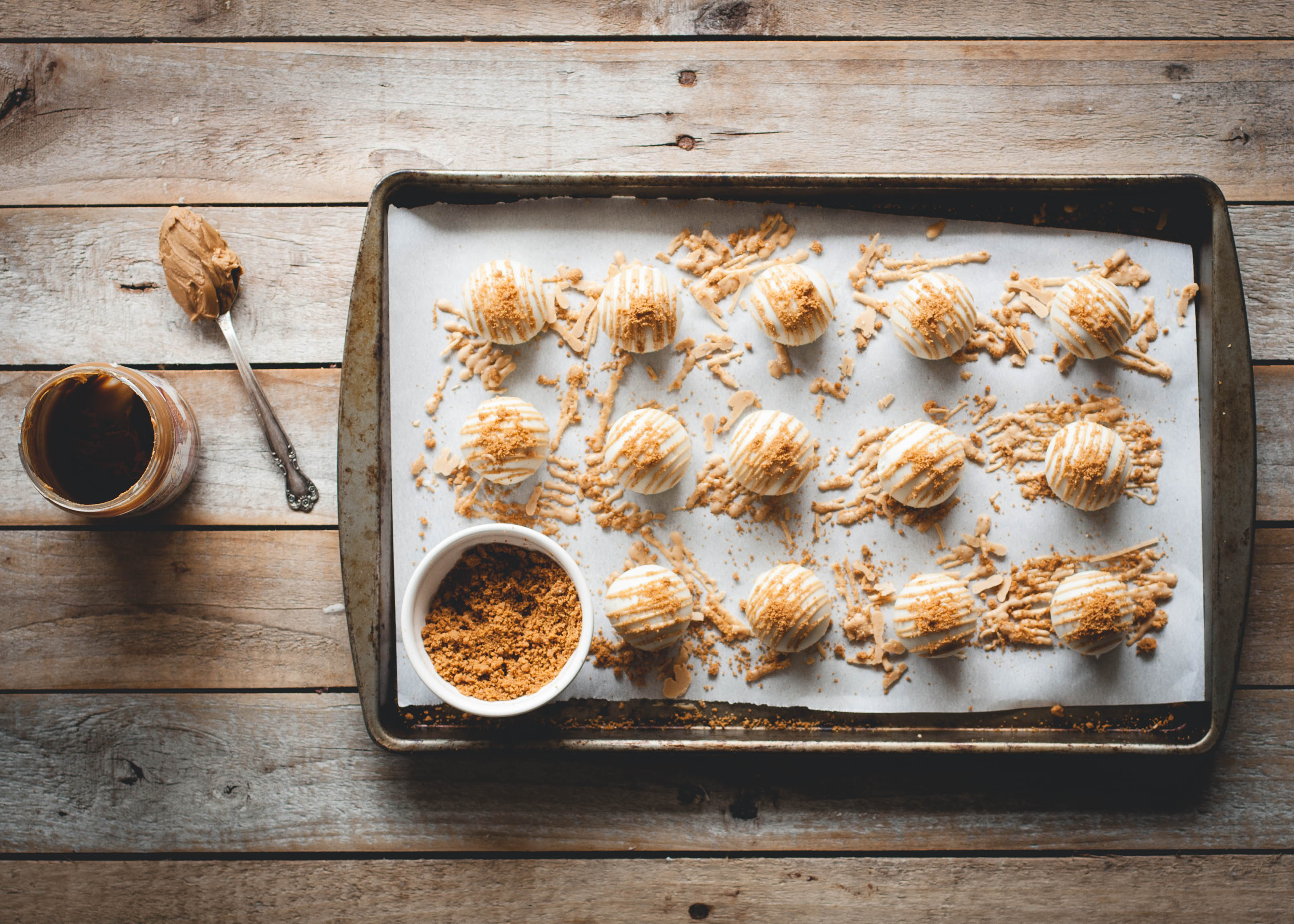 Cookie-Butter-Cake-Balls-12