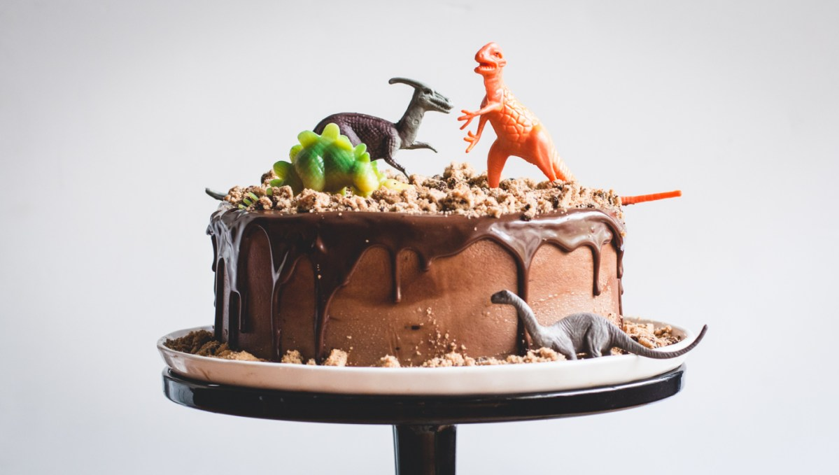 Chocolate Chips Ahoy Dinosaur Cake