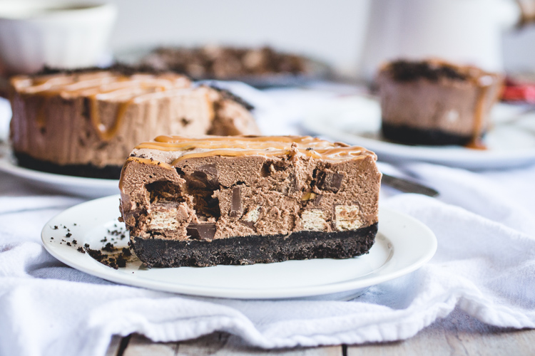 Leftover Halloween Candy No-Bake Chocolate Cheesecakes // butterlust.com @butterlustblog