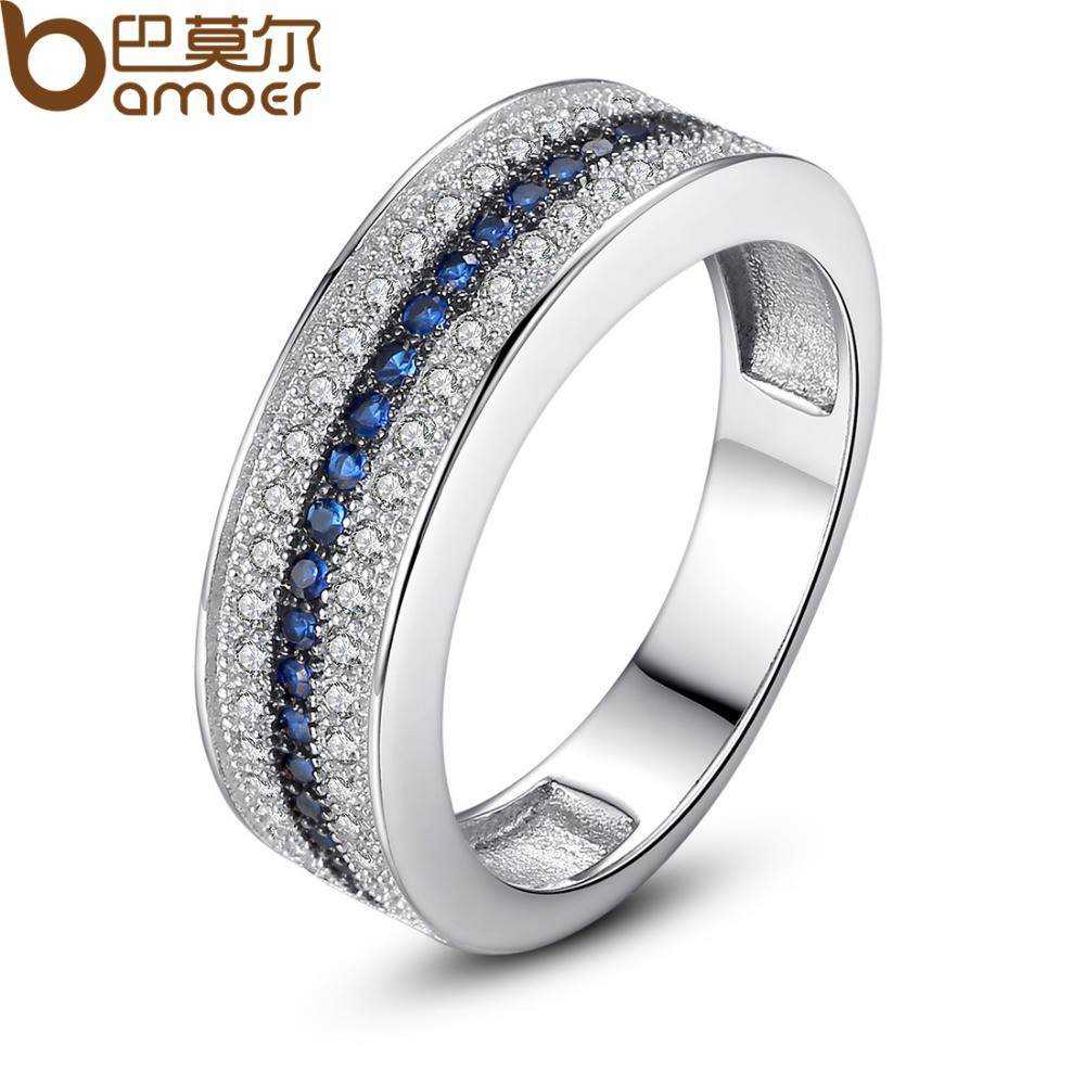 womens wedding band trend women wedding band Rose gold is the new gold that many women love It has an amazing contrast to their white gold engagement ring Something unique