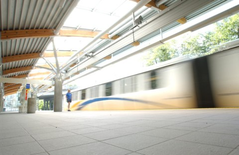 The SkyTrain, zooming through a station!
