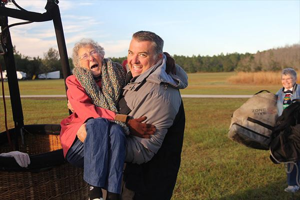 90-year-old-woman-road-trip-cancer-treatment-driving-miss-norma-25_R