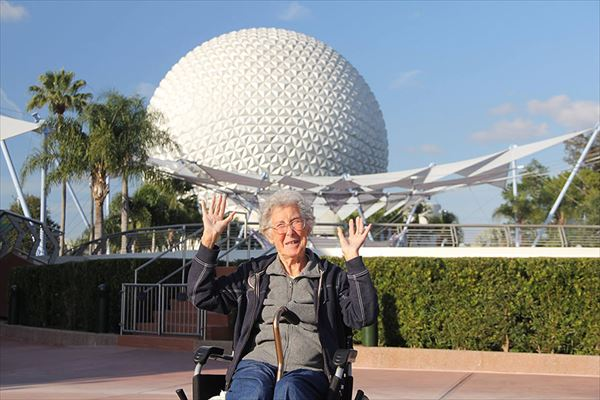 90-year-old-woman-road-trip-cancer-treatment-driving-miss-norma-26_R