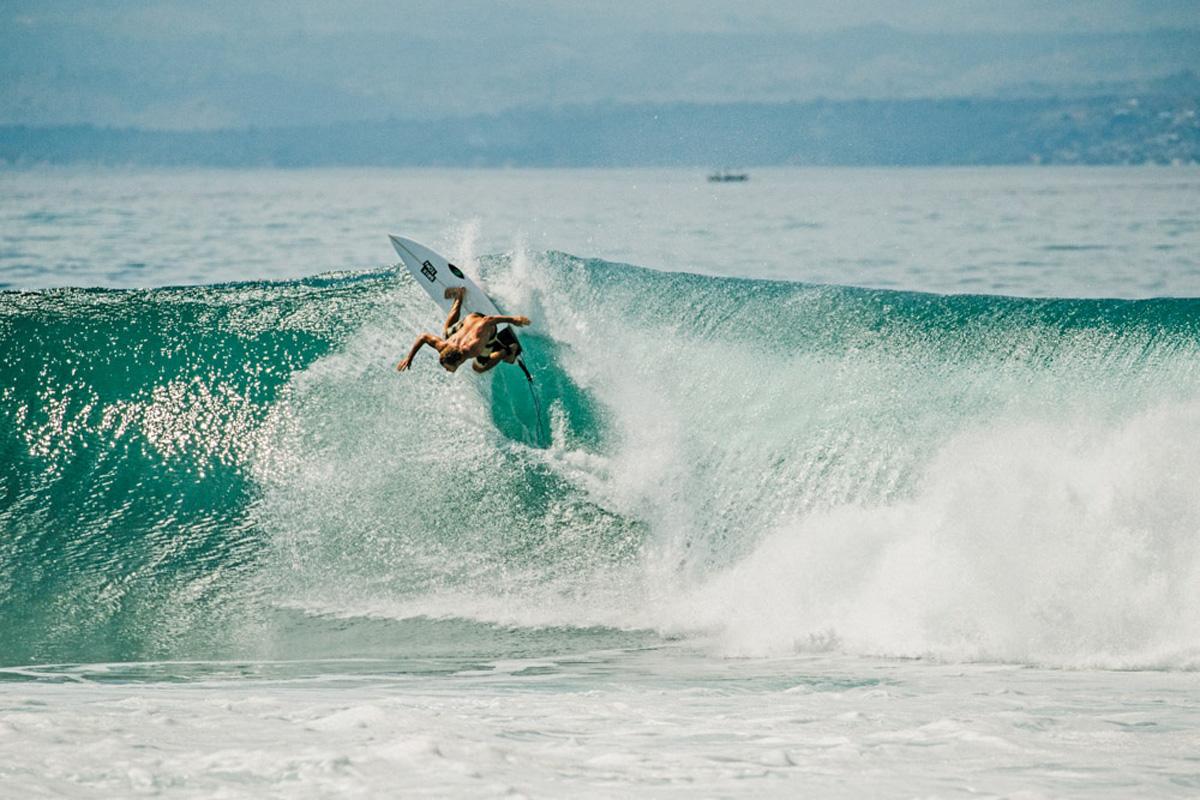 55-FA16-Life-Misc-Surf-01-WEB