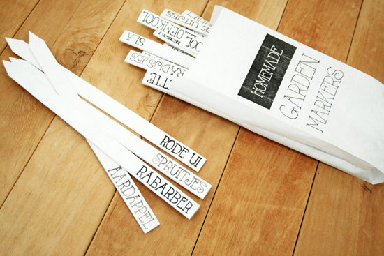DIY project: make garden markers from paint stirrers (+ an easy way on how to transfer the text)