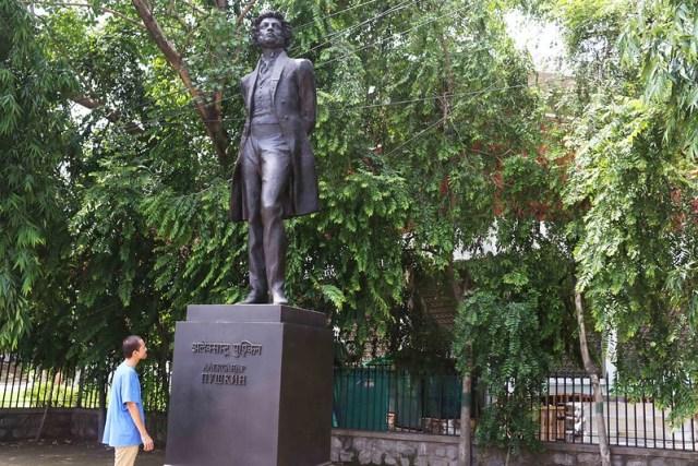 Delhi's Bandaged Heart – Ishan Marvel (Sequel), Pushkin's Statue, Mandi House