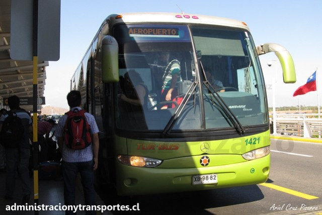 Tur Bus Aeropuerto | Santiago | Marcopolo Andare Class - Mercedes Benz / XB9882 - 1421