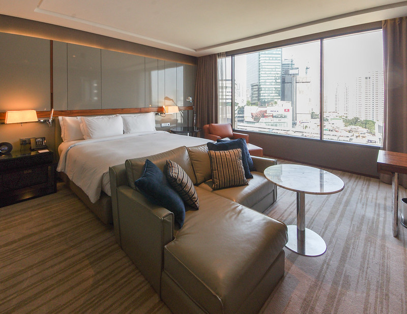 junior suite - hilton sukhumvit bangkok