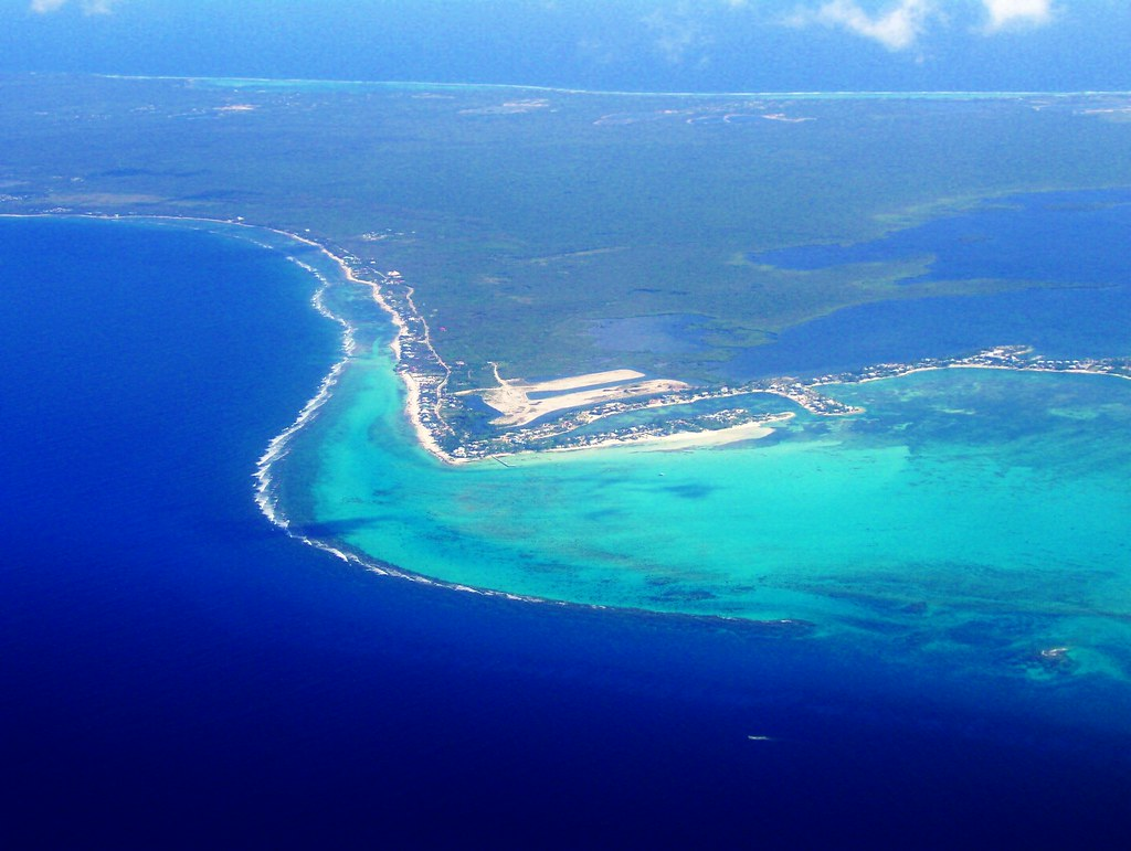AERIAL  GRAND CAYMAN ISLAND   DESENDING IN ALTITUDE TO LAND       Flickr     AERIAL  GRAND CAYMAN ISLAND   by carolynthepilot