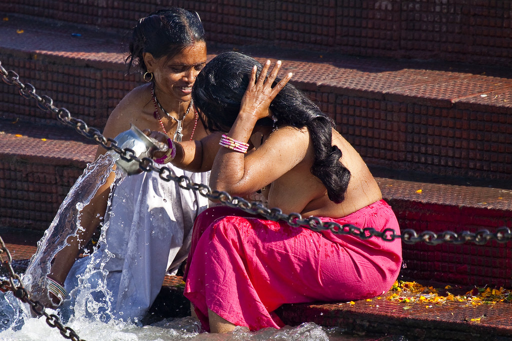 bathing in open saree aunty