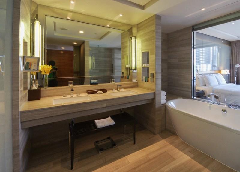 bathroom - hilton sukhumvit bangkok