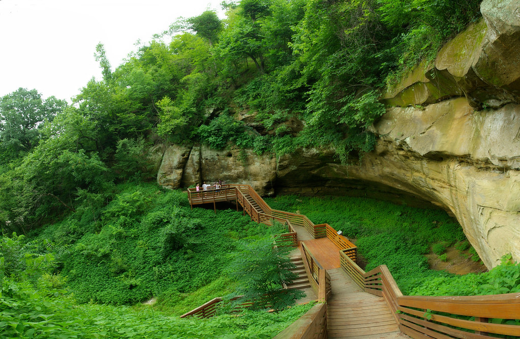 The cave at Indian Cave State Park, Nebraska