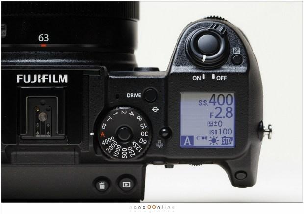 De Fujfilm GFX-50S, een middenformaat camera in een compacte body die niet heel veel groter is dan een spiegelreflex