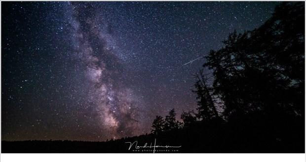 Fotografeer de Melkweg vanaf het landgoed van Chateau Folgoux. Natuurlijk alleen indien het weer dit toelaat.