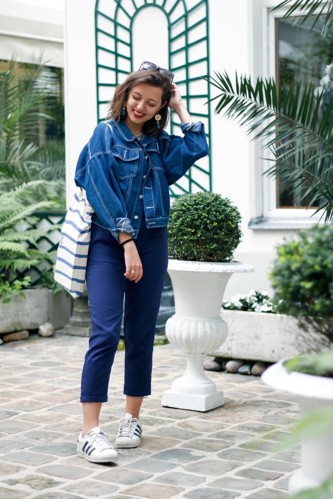 8-look-salopette-veste-en-jean-superstars-adidas