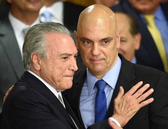 Alta rotatividade no Ministério da Justiça reacende discurso da autonomia da PF, foto de Temer e o ministro da Justiça Alexandre Moraes