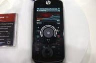 Motorola Debuts Z9, V950, H690 Headset and EQ3 Speakers at CTIA - Image 4 of 7
