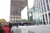 Live from 5th Ave Apple Store unveiling - Image 23 of 47