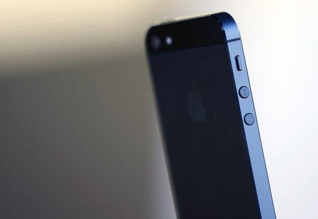 iPhone 5S, low-cost iPhone and iPad mini launches all reportedly pushed back