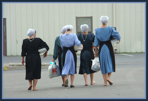barefoot amish women working