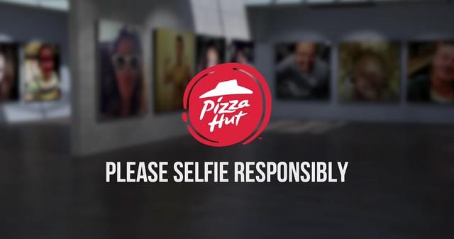 selfie stick pizza hut 4