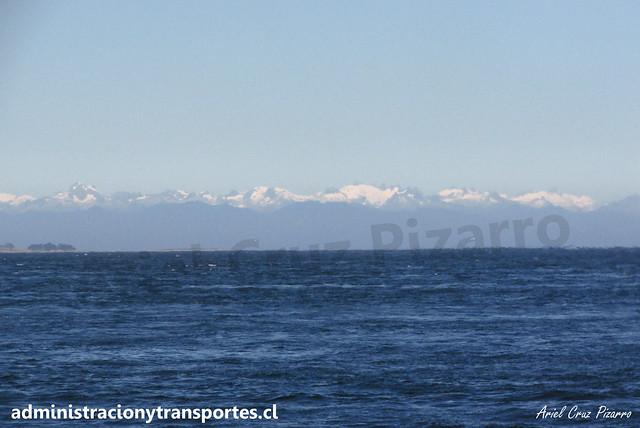 Cordillera de los Andes desde Canal de Chacao
