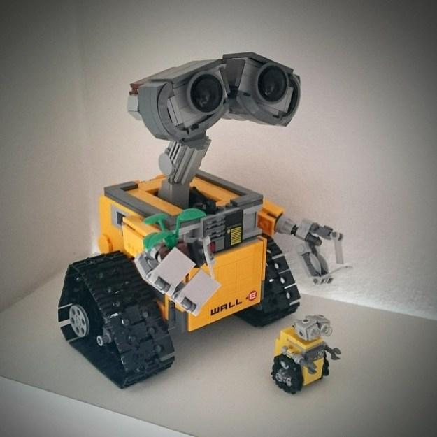 Lego Mini WALL·E Size Comparison