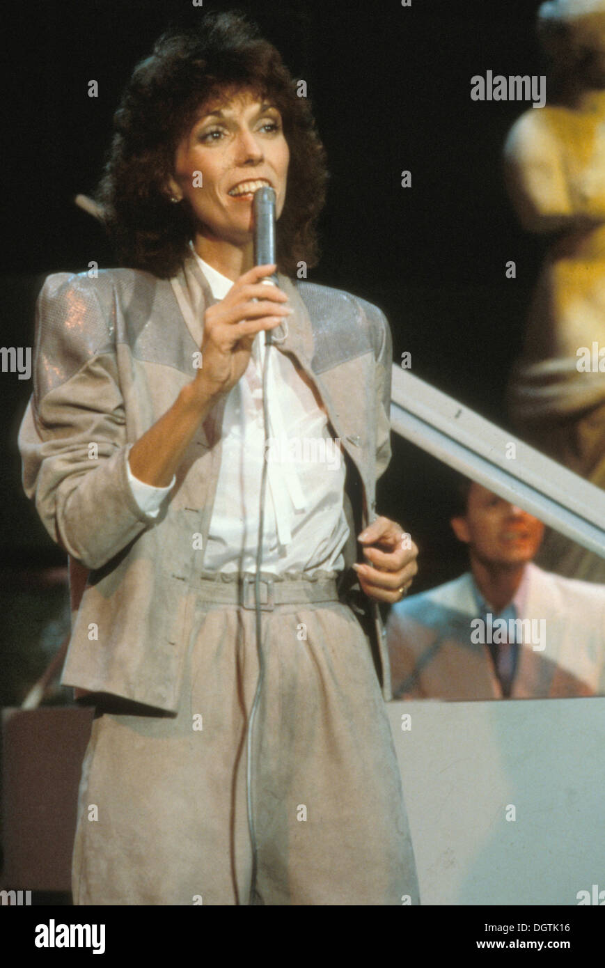 KAREN CARPENTER  1950 1983  American singer about 1976  Photo Stock     KAREN CARPENTER  1950 1983  American singer about 1976  Photo Laurens van  Houten
