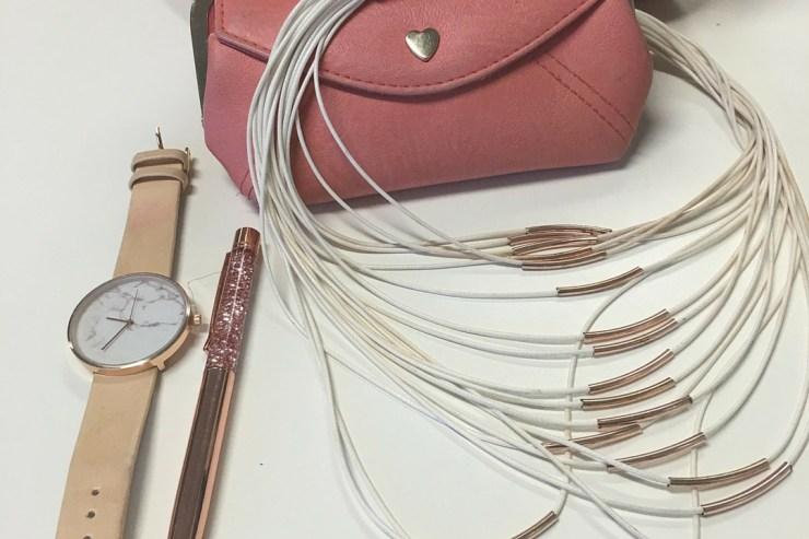WINTER FASHION FAVOURITES accessories.