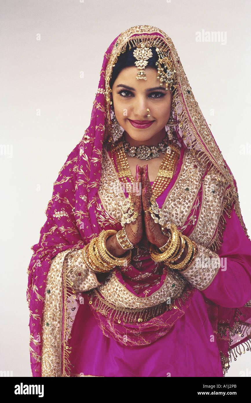 indian muslim wedding dresses images muslim wedding dress Indian Muslim Wedding Dresses Images